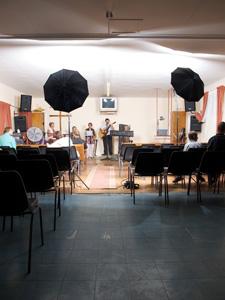 Mes flashs de studio sur le terrain, eglise de Maranata, Orania, Afrique du Sud