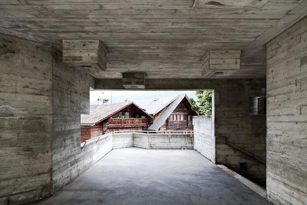 Village d'Hérémence, mélange d'architecture traditionnelle et moderne